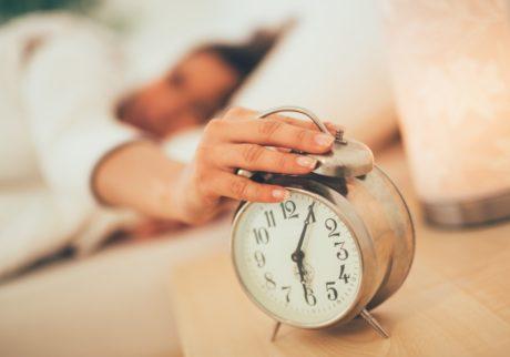 毎朝5時台に起きているママの割合はこんなに!【ママの本音のYES&NO】