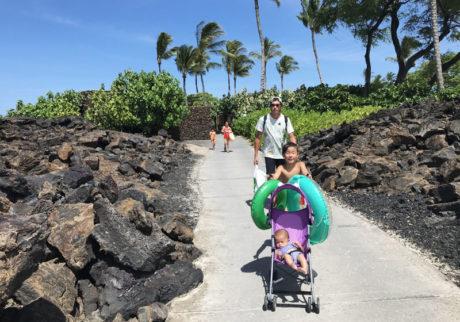 生後4か月の息子を連れ、家族6人でハワイ。事前に準備したことは?【asacoの「4回目の育児 -fourth time around-」】