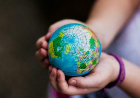 今の子どもに必要な「世界と戦う力」。鍛えるためには?【細川珠生の子育て政治】