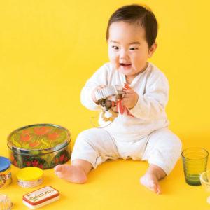 <span>0・1・2 歳向け</span> 赤ちゃんにも鳴らせる! 家にあるもので作る楽器あそび