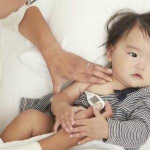 <span>読者ママの体験レポート!</span> 夜中のお熱も安心。暗くても見やすい体温計を体験!