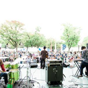 """<span>おでかけニュース【東京】</span> 野外ステージのライブが気持ちいい。親子で出かけたい「earth garden """"秋""""2018」"""