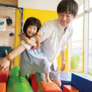 <span>Hanakoパパ</span> 保育園のお友達の名前も一生懸命覚える。娘とたっぷり遊ぶパパ