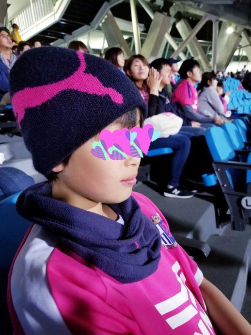 スポーツ観戦 ファッション ママ 冬