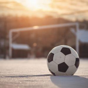 <span>サッカー親子応援記</span> 寒い日の親子サッカー観戦は、あえて「部屋」をおすすめする理由【親子でハマったJリーグ】