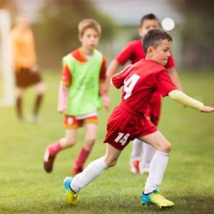 <span>サッカー親子応援記</span> 「行けー!」はダメ? 少年サッカーの応援はJリーグ観戦より難しい【親子でハマったJリーグ】