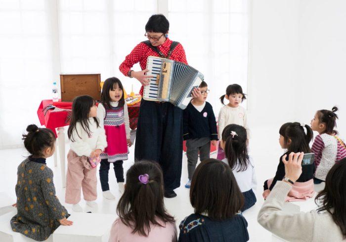 良原リエさんと子どもたちの素敵な音楽会! Hanakoママプレミアムメンバーイベント第一弾「キッズのクリスマス音楽会」レポート