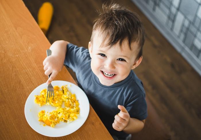 子どもの朝ごはんのレパートリーが少なくてマンネリ、栄養面も心配。みんなどうしてる? ママたちの声をご紹介!