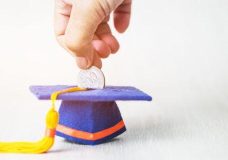 平均で約450万円。大学にかかるお金を、安全で確実に貯める方法【パパFPの「子どもとお金」】