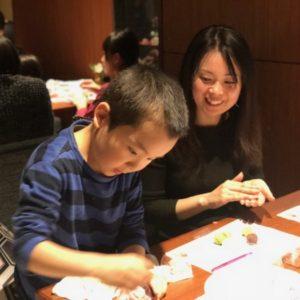 <span>働くママのLOVE & BEAUTY</span> 和菓子作りと金箔エステを体験! 親子で、情緒あふれる金沢の旅【前編】