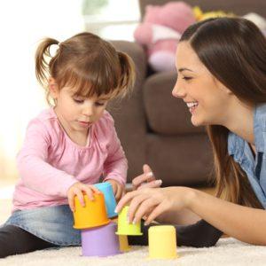 <span>ママのためのカウンセリングルーム・75</span> ママと一緒にできる!子どもの成長に適した遊びとは?【教えて!ケイト先生】