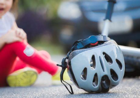 娘が自転車で歩行者とぶつかってしまったら?【弁護士・宮地先生に聞きました】