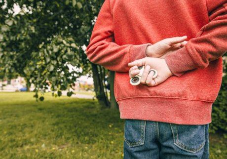 子どもの盗み癖が心配。どう対応するのが良い?【教えて!ケイト先生】