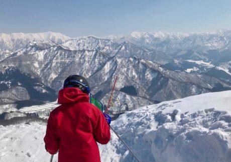 早春、雪山の静けさと絵本。息子の成長を感じたスキー旅行【Anneママの『絵本とボクと、ときどきパパ』】