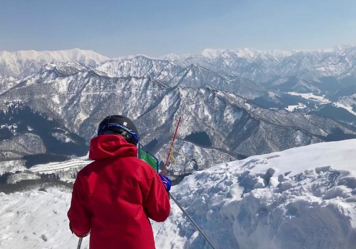 早春、雪山の静けさと絵本。息子の成長を感じたスキー旅行