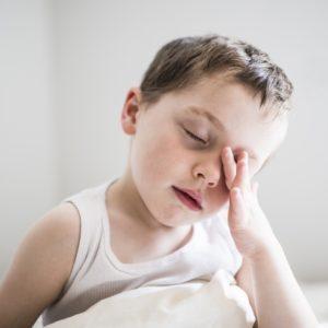 <span>【0・1・2歳向け】現役保育士のてぃ先生がお答え!</span> 新しいクラスに緊張し、少し疲れている様子の子ども。家ではどう過ごすのが良い?