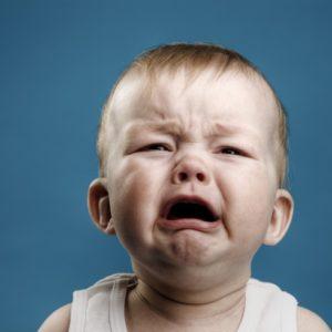 <span>【0・1・2歳向け】現役保育士のてぃ先生がお答え!</span> 毎朝、泣き叫ぶ子どもを預けて仕事に行くことに罪悪感。どうすれば良い?