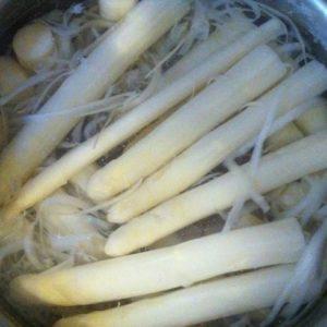 アスパラはドイツの筍!待ちに待ったシュパーゲルこと白アスパラガスの季節
