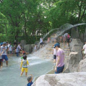 <span>Let's play at the park!</span> 夏はやっぱり、じゃぶじゃぶ池で水遊び♪おすすめパーク5選【家族で週末の公園へ!】