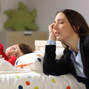 <span>働くママのお悩み100</span> 毎晩寝落ち…家事はたまるし自分の時間もないとき、みんなどうしてる? ママたちの声をご紹介!