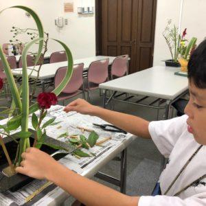 <span>育て! クリエイティビティ!</span> 「お花って楽しい!」未就学児にも楽しめる「花道」の世界!