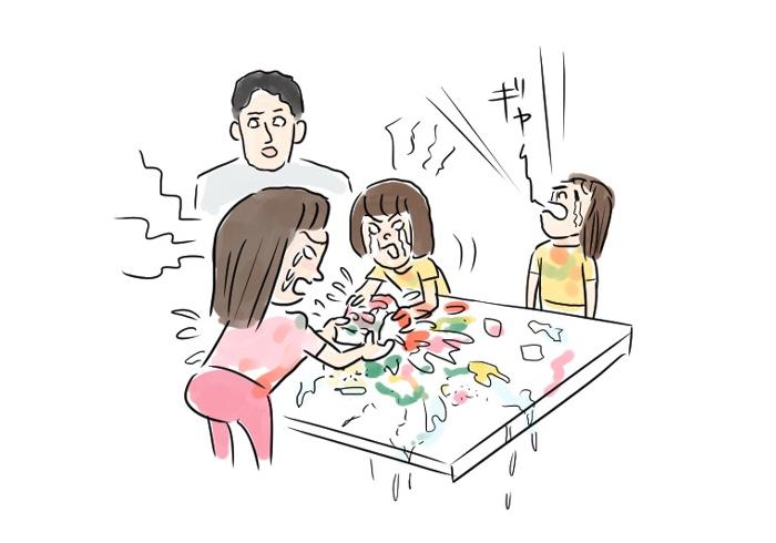 最終的にはうまく出来ず全員泣いている。知育菓子こと「ややこし菓子」【連載・室木おすしの「娘へ。」】