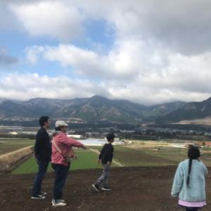 <span>親子で鉄分補給♪</span> 子どもたちと南阿蘇へ。日本一長い駅名「南阿蘇水の生まれる里白水高原駅」にも寄ってきました!【ママ鉄・豊岡真澄の親子でおでかけ】