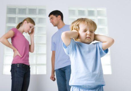 夫が一切家事や子育てに協力してくれない!どう対処するのが良い?【弁護士・宮地先生に聞きました】