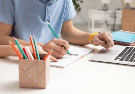 日本の子どもたちの学力は世界でどのレベル!?教育レベルを測定する国際的な2つのテスト