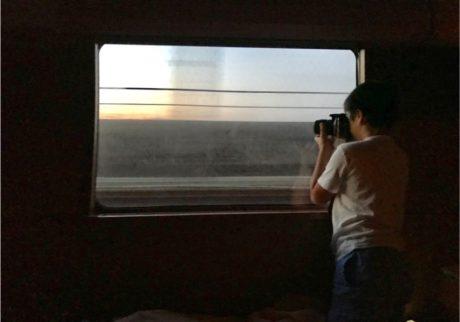 ついに高松駅に到着!寝台特急の中からみえる美しい景色に気持ちが高ぶる私たち【ママ鉄・豊岡真澄の親子でおでかけ】