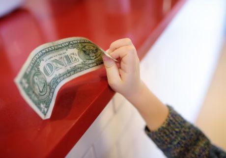 子どもに聞かれたら何て答える!?いよいよ始まる消費増税について【パパFPの「子どもとお金」】