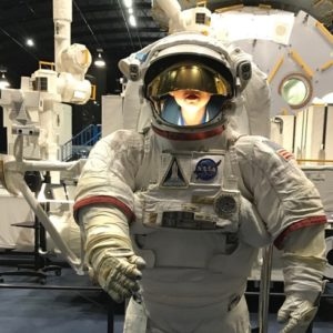 息子と行ったJAXA宇宙センター。お月見か月面着陸か。そして月の絵本。