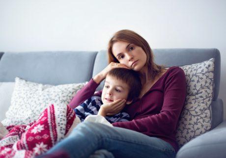 感染症の病後は自宅待機。元気なのに、家の中で過ごす時ってどうしてる? ママたちの声をご紹介!