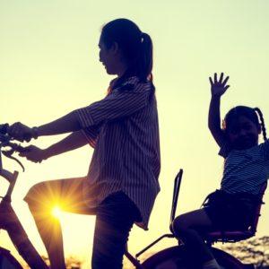 <span>ママのためのカウンセリングルーム・67</span> 飛び出してきた子どもをよけて自転車で転倒。子どもの親に請求できる?【弁護士・宮地先生に聞きました】