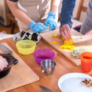 料理は自立への第一歩 料理教室が大人気!【気になる!教育ニュース】