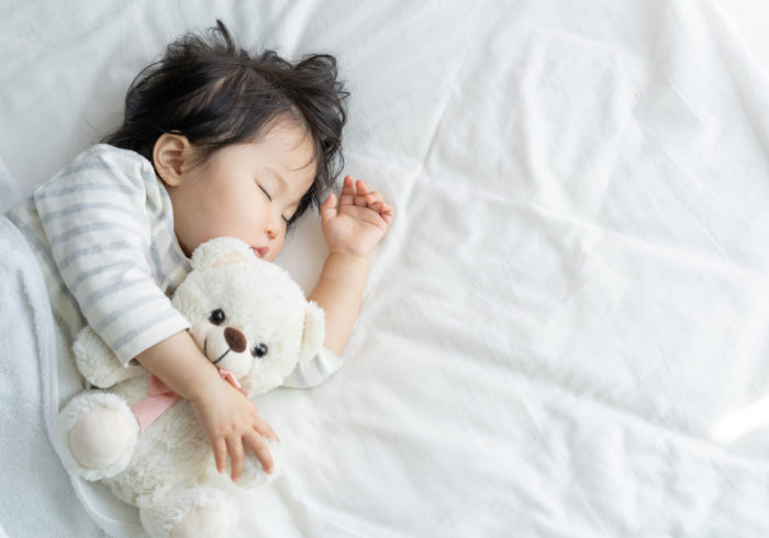 【効果実証済み】寝ない子どもにイライラ。子どもが秒速で眠る2つの寝かしつけ方法