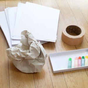 【親子で作る】紙をくしゃくしゃしてスタンプを楽しもう