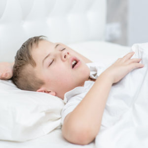 【幼児の口臭】原因は口呼吸?!子供のお口の臭いに効果的な簡単改善法