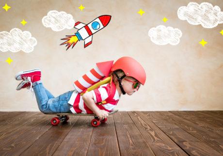 幼児期に「遊び」をたくさんすると賢い子に育つ? 今、遊びが注目されている理由とは?