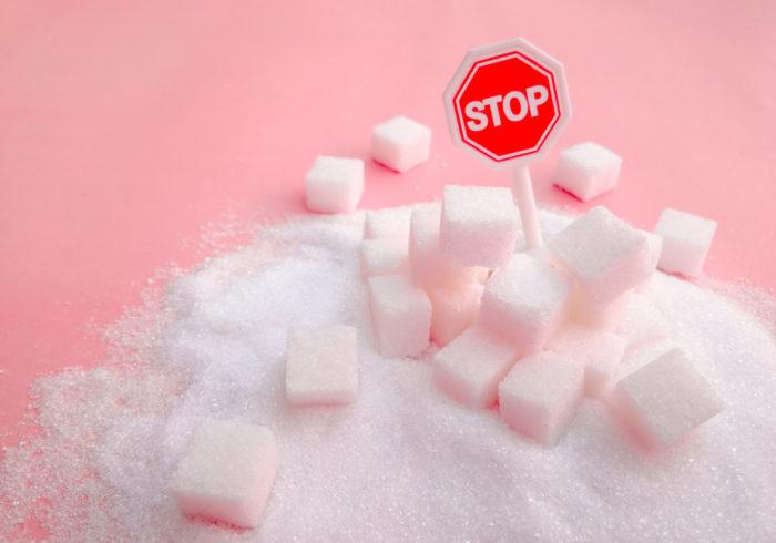 泣く、わめく、暴れる…そんな子供に試したい『砂糖なし育児』
