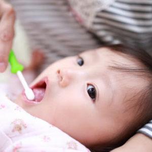 赤ちゃんの歯磨きはいつから?どうやって?正しく歯磨きする方法
