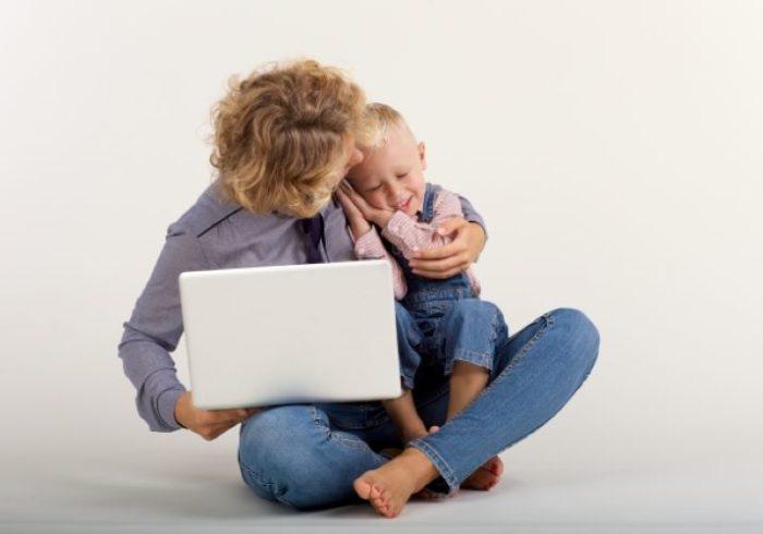 育児と仕事の両立で心身ともに疲れが!笑顔になれる対策をご紹介