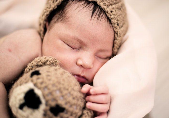 諦めるのはまだ早い!パパが赤ちゃんを寝かしつけるコツ3選