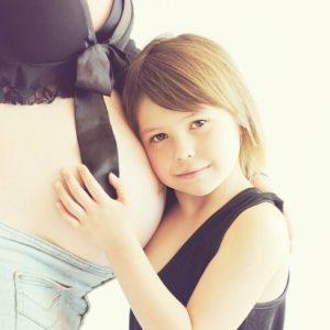 産後四ヶ月たっても元に戻らない。ママの体調不良と外見の変化とは?