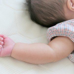 新生児の子育てが大変ってホント?子育てに役立つおすすめのアプリ3選