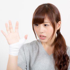 ズキッと痛い!子育てが原因の腱鞘炎の予防と対策を紹介!