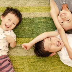 ママ&パパの言動で変わる!子供の自己肯定感アップの秘訣とは?