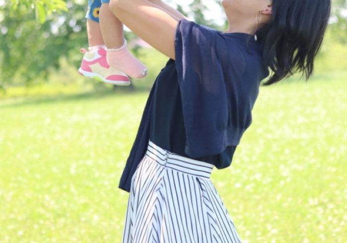 産後の洋服選びに迷ったママへ!選び方のポイントとおすすめアイテム