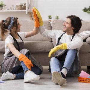 夫と家事を役割分担するには?夫婦の家事分担のポイントを紹介