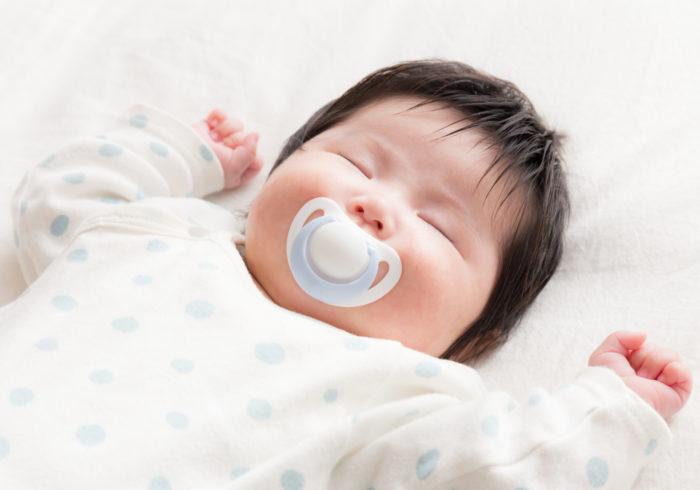 赤ちゃんの睡眠時間ってどのくらい? 安眠のためにできる4つのこと